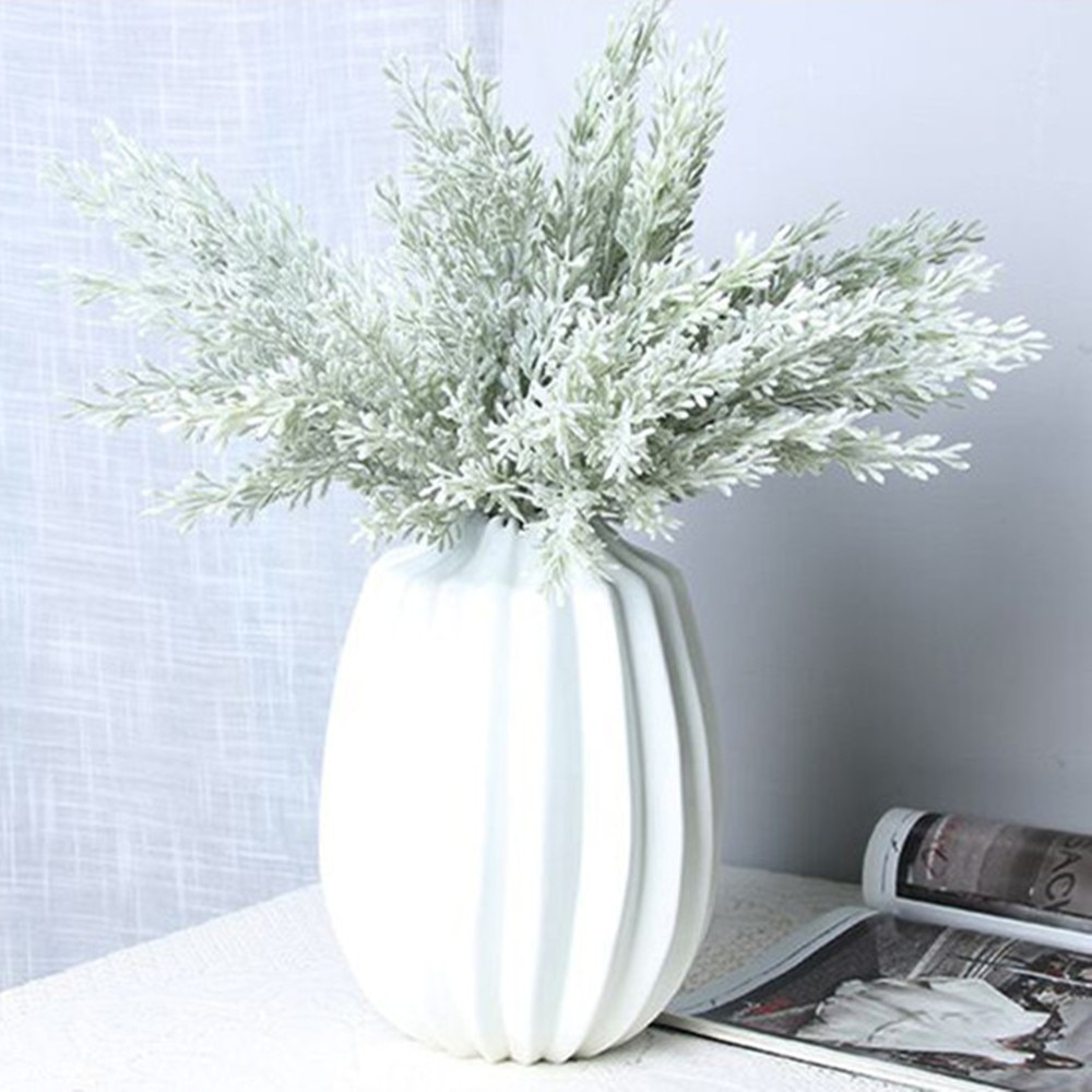 Estilo nórdico Artificial Flor de plástico ciprés rama árbol hoja boda jardín decoración hogar plantas falsas 33,5 cm