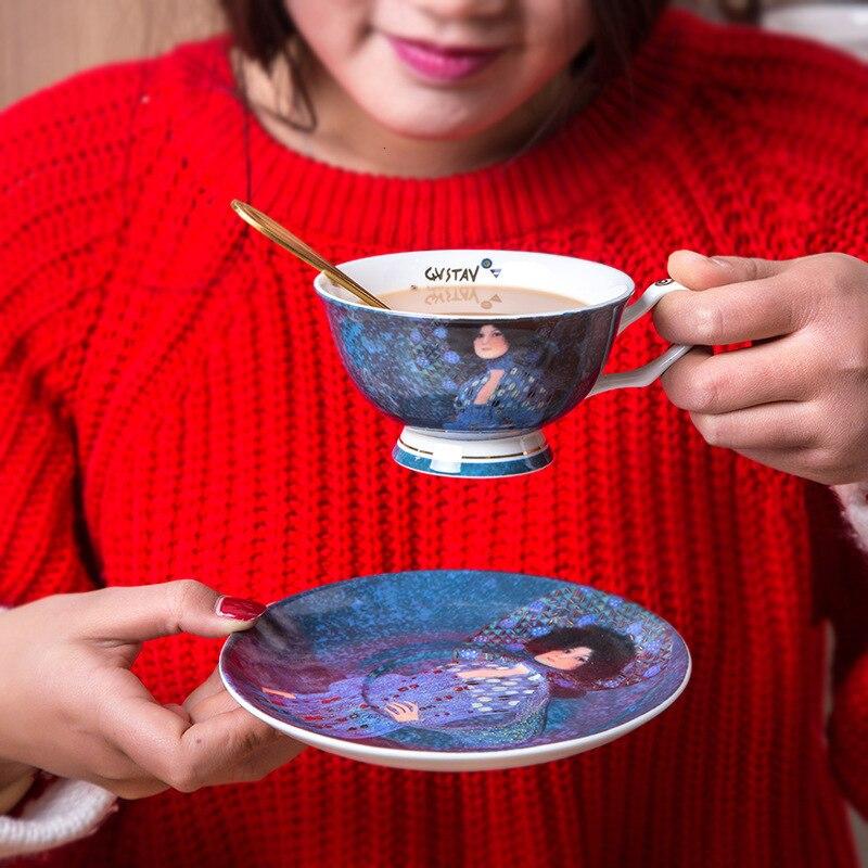 Pintura al óleo de Klimt de Gustav, pintor famoso en el mundo, ilustración de beso, juego de bandejas para tazas de café, cuchara suelta, Taza de té perfumada, Taza de café