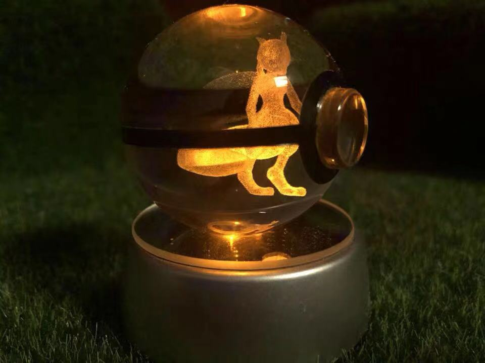 50MM 3D Pokemon Gehen Kristall Ball Taste Zelle Powered LED Nacht Licht Magische Kugel für Kinder Weihnachten Geschenke
