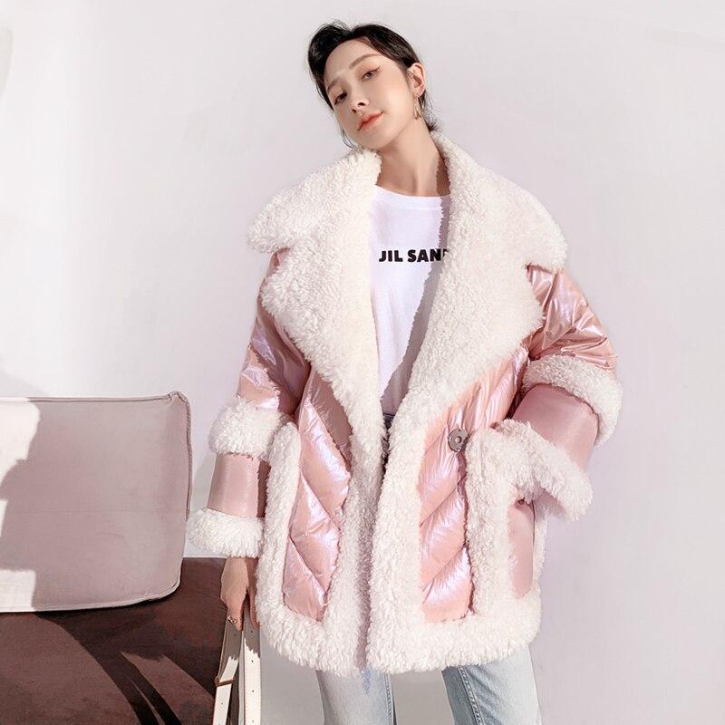 الفاخرة ريال لامب الصوف سترة نسائية ثقيلة منتصف طول 2021 شتاء جديد سميكة الدافئة بطة أسفل معطف الفرو الإناث الثلوج لباس خارجي Mujer