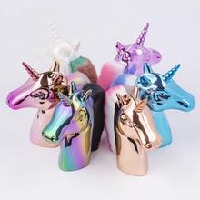 Offre spéciale licorne arc-en-ciel cheval conception ongles brosses à poussière pour manucure 6 couleurs licorne forme ongles enlèvement brosse outils de nettoyage