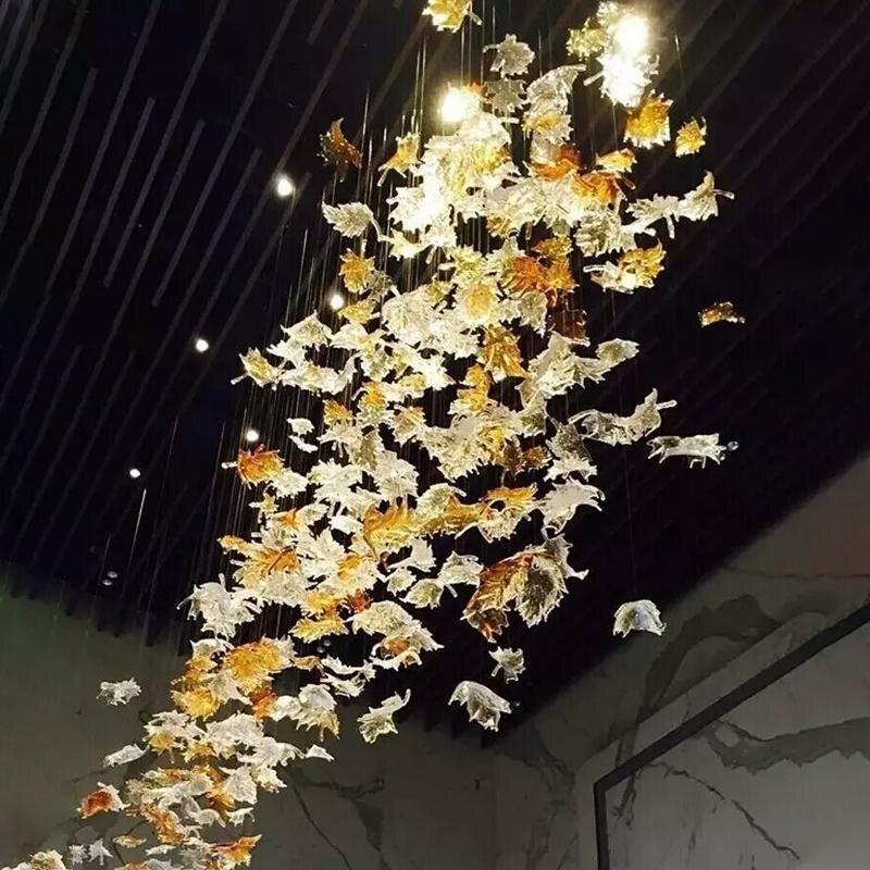 مصباح سقف معلق من زجاج مورانو ، لون شفاف ، تصميم إيطالي ، كهرماني ، مشروع فندق ، إضاءة زخرفية ، للمنزل