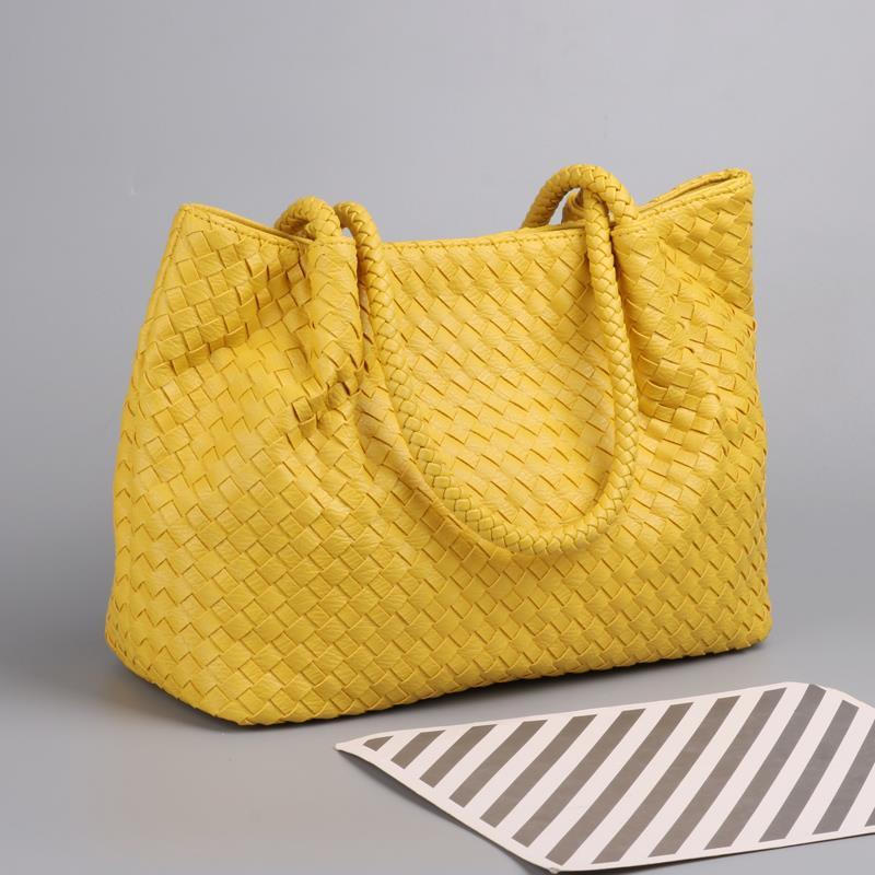 لحظة 2020 أحدث المرأة المنسوجة حقيبة يد فاخرة حقيبة كتف مخزن كبير حقيبة تسوق