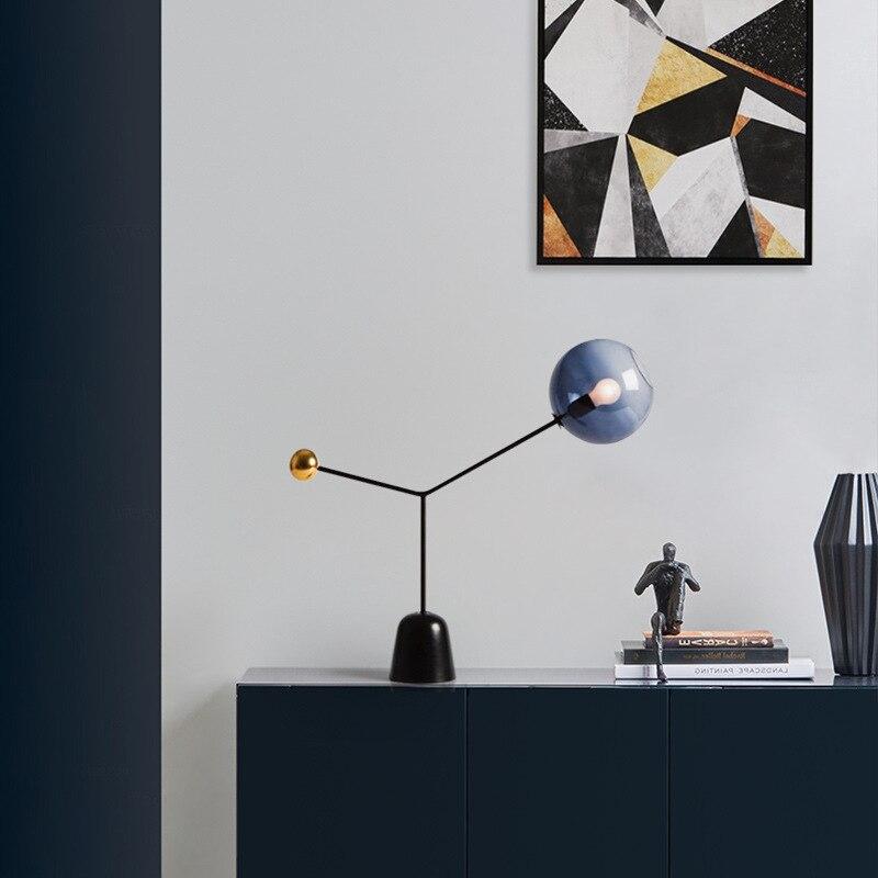 Moderna y creativa lámpara de mesa de hierro de vidrio para sala...