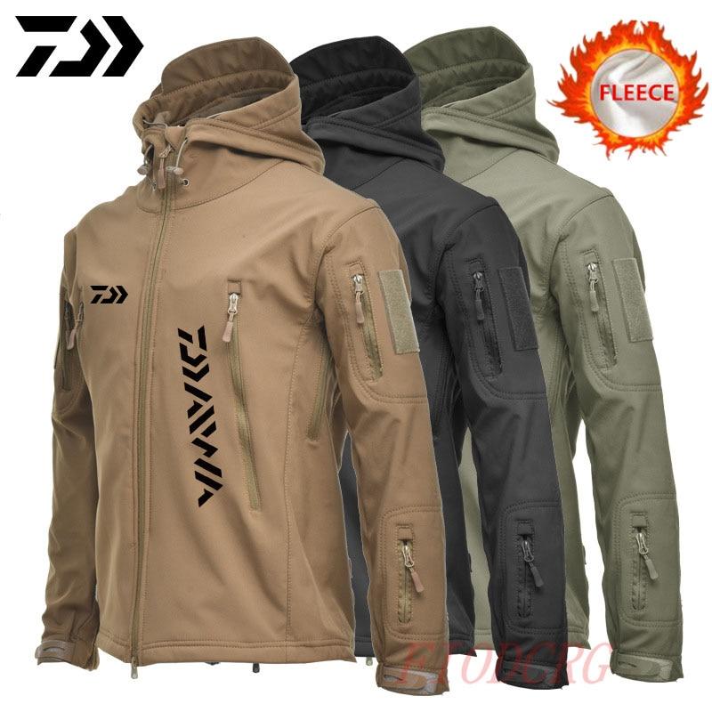Chaquetas Daiwa de piel de tiburón, ropa de pesca de concha suave, chaqueta táctica, cazadora, capucha de piloto, chaqueta de pesca de lana militar