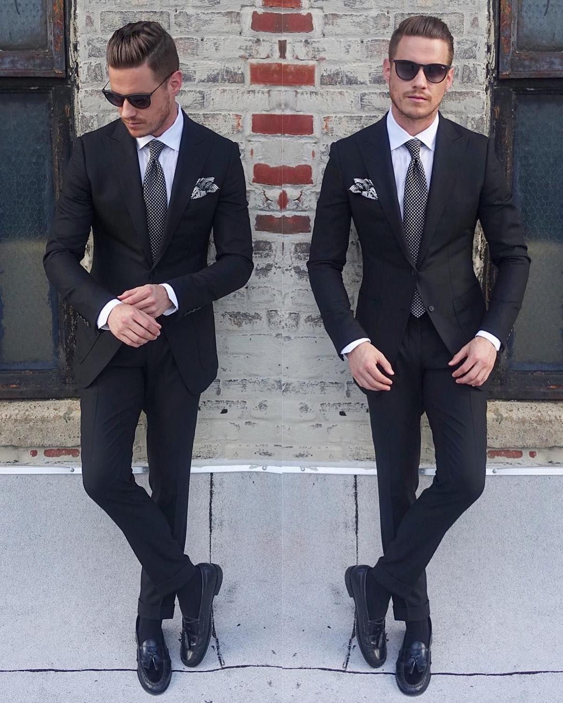 New Classic Style Groom Tuxedos Two Button Black Peak Lapel Groomsmen Best Man Suit Mens Wedding Suits (Jacket+Pants+Tie) 217