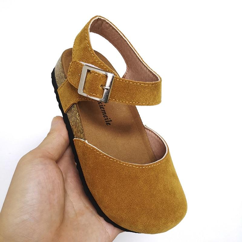 Nuevas sandalias para niñas, suela de corcho, zapatos de playa de verano para niños, zapatos suaves de moda para bebés, zapatos de estilo estudiante, sandalias de zueco para niños