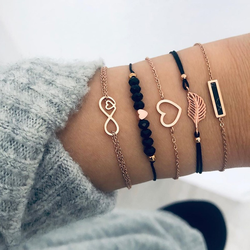 6 teile/satz Liebe Herz Unendlichkeit Symbol Charme Armbänder für Frau Gold Link Kette Armbänder Hohl Feder Schwarz Perlen Braclet Mädchen