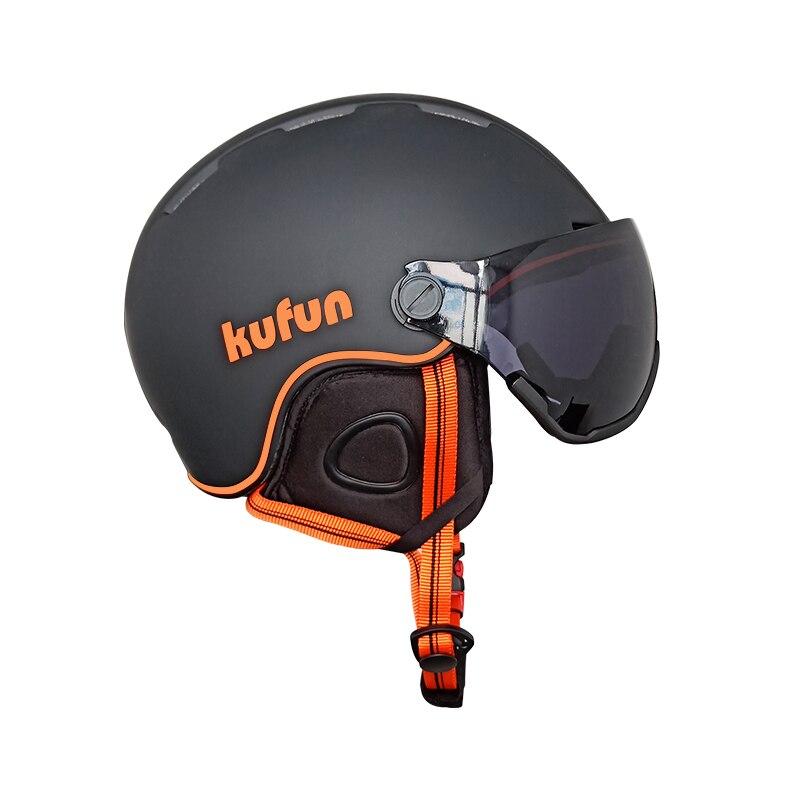 Ski helmet goggles Integrally-molded Ultra-light helmet men and women single and double board outdoor skiing equipment