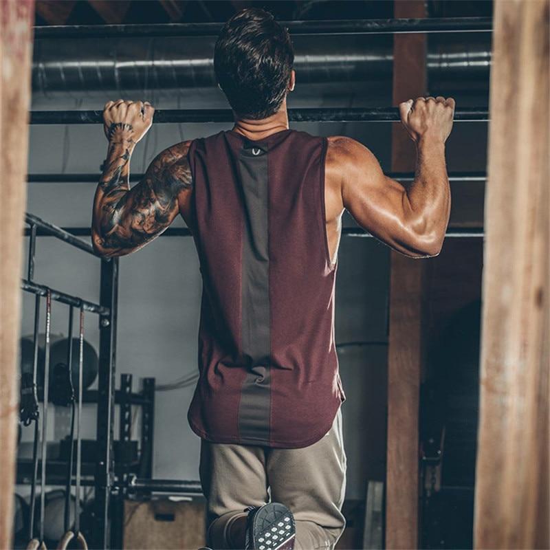 Лето 2020 новейший бренд мужские изогнутые подол Лоскутные тренажерные залы стрингеры жилет бодибилдинг одежда фитнес мужские майки топы