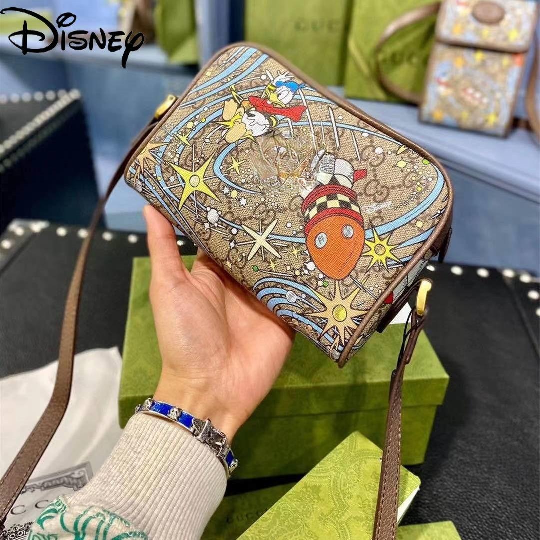 Disney fashion ladies cartoon cute Donald Duck joint camera bag casual large-capacity pure leather shoulder messenger bag enlarge