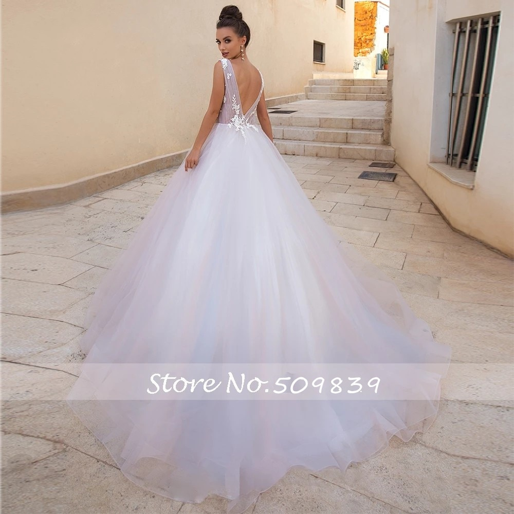 Scoop Neck A Line Lace Appliques Simple Wedding Dresses Backless Sexy Bride Dress Sweep Train Wedding Gowns