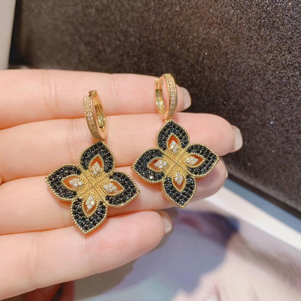Nuevo diseñador, colgante de trébol de lujo, geometría de zirconia cúbica, compromiso, Dubai, Naija, conjunto de joyas de pendiente y collar D1492