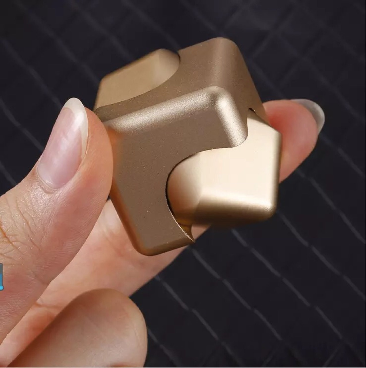 DPG-3 New Pressure - Reducing Finger Gyro Cool Rreative Gifts Novel Toys Metal Color Fun leisure Relieves Stress enlarge