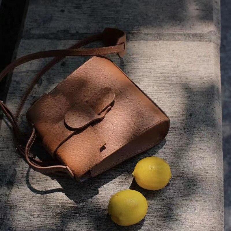 Женский кожаный рюкзак в американском стиле, дизайнерский нишевой рюкзак в локомотивном стиле, женская сумка, однотонный рюкзак, 2021