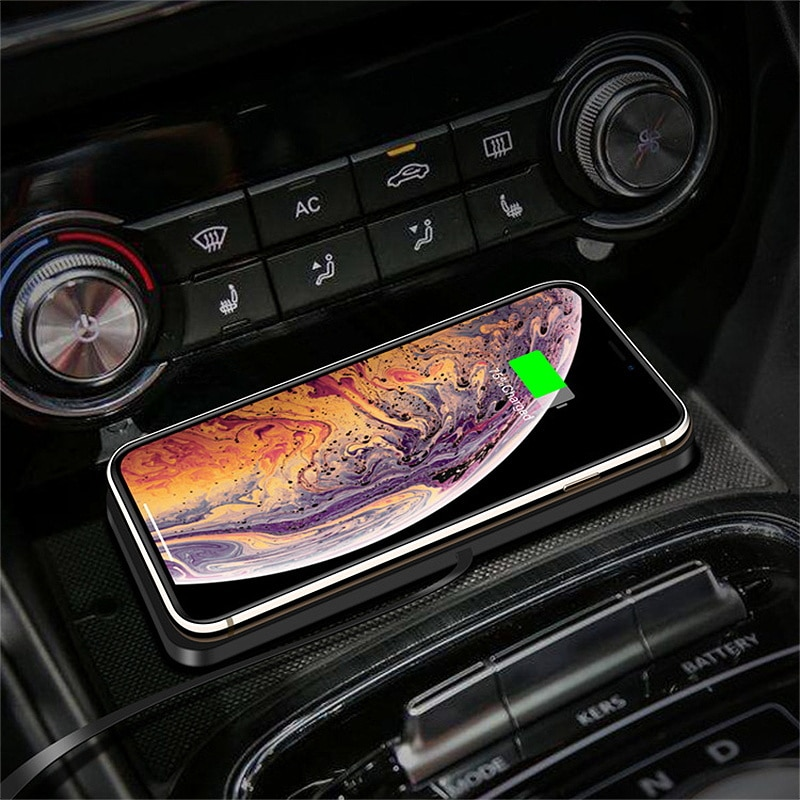 Wireless Car Charging Stand 10W Non-slip Car Phone Holder Wireless Charger Pad Fast Charging Pad For