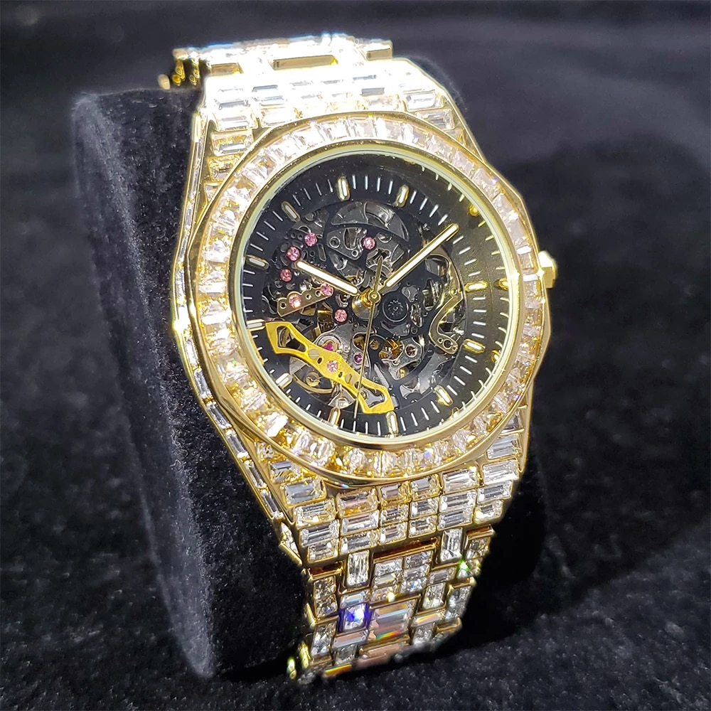 Hip Hop Top Brand Luxury Mens Watches Fully Iced Out Fashionable Baguette Diamond Automatic Mechanical AAA Gold Wristwatches