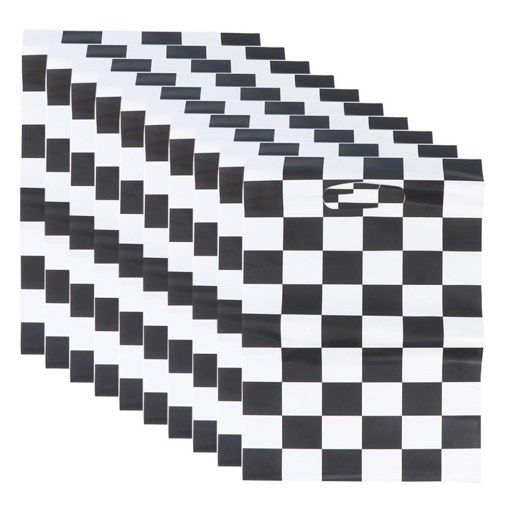Bolsa de regalo temático para coche de carreras 50 Uds. Bolsas de mano con impresión a cuadros en blanco y negro Insumos para envolver regalos para fiesta de cumpleaños