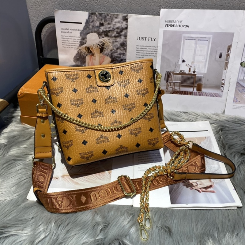 جلد طبيعي المرأة دلاء 2021 موضة جديدة فاخرة العلامة التجارية حقائب كتف واحدة السيدات الشهيرة محفظة وحقائب اليد قنوات حقائب اليد