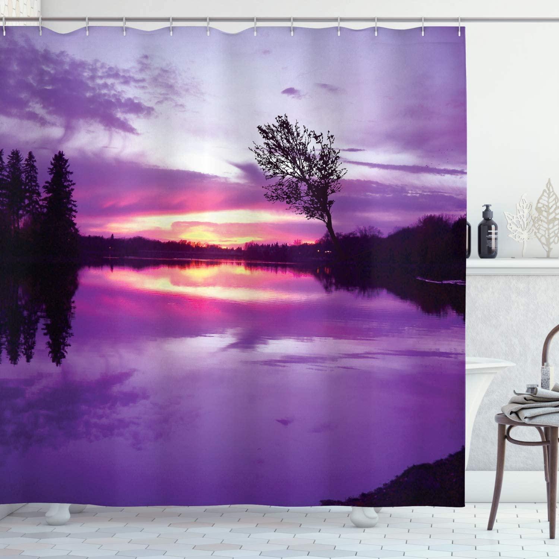 """Cortina de ducha con paisaje composición abstracta con cielo de sombra púrpura y siluetas de árboles conjunto de decoración para el baño con ganchos de 70"""""""