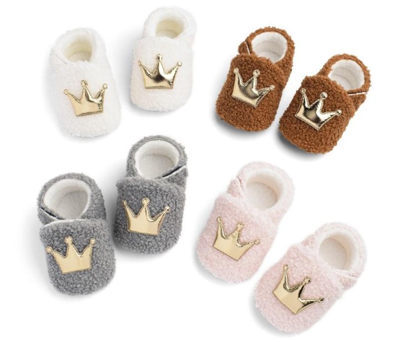 Фото - Детская обувь зима золотая корона для новорожденных девочек; Обувь, пинетки Туфли для новорожденных с нескользящей подошвой для маленьких ... chicco обувь для новорожденных