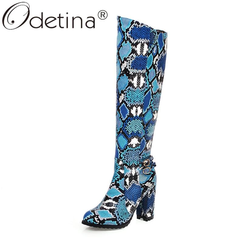 Odetina mujer Sexy Snake Print Clubwear rodilla botas altas señoras bloque alto talón hebilla Correa media bota otoño elegante grande tamaño 43
