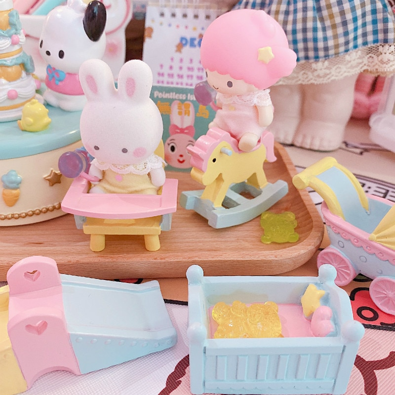 Bonitos accesorios para casa de muñecas de madera de dibujos animados, simulación de caballo, cochecito, Mini muebles, casa de muñecas, cuna, caballo de madera, juego de cochecito