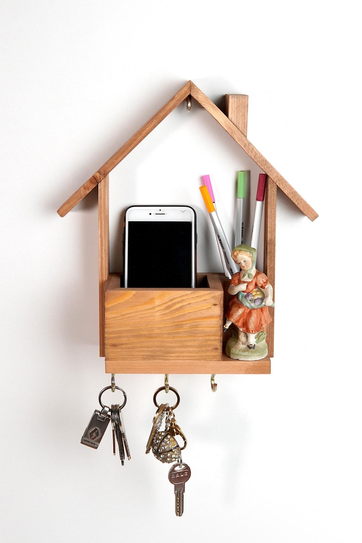 Light Walnut Natural Wood Pine Decorative House Shaped Multifunctional Keychain Rack Handmade