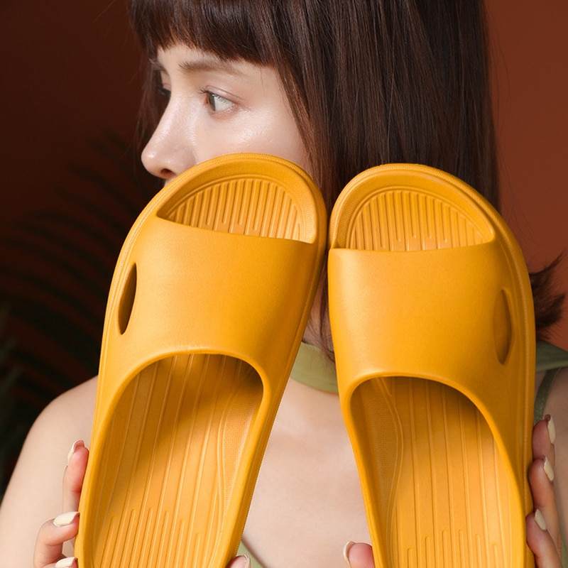 2021 صيف جديد نساء موضة نعال مسطحة جديد تنفس أحذية الشاطئ داخلي صندل عادي للسيدات