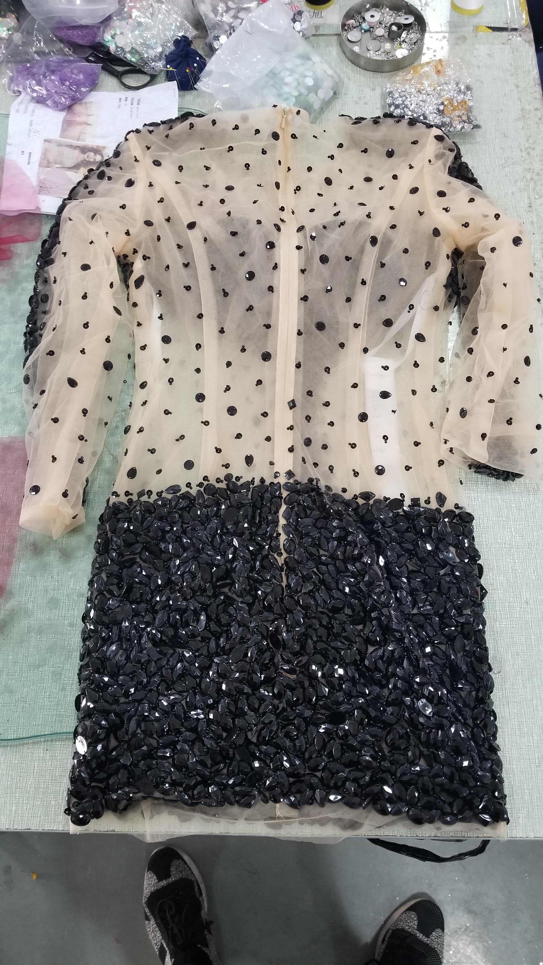 Купить с кэшбэком Sexy Short Black Prom Dresses 2021 Long Sleeves Crystal Illusion Mini Sheath Knee Length Graduation Party Dresses Plus Siz