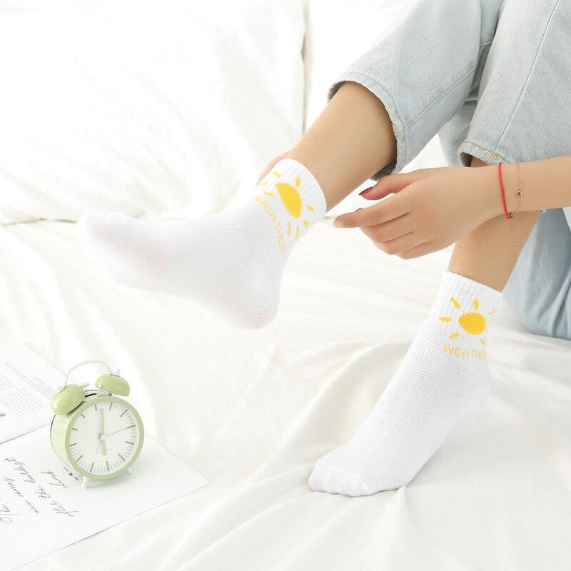 Hot  5 Pairs Autumn Winter Sweat-absorbent Tube Socks Weather Printing Warm Socks Women Cotton Socks