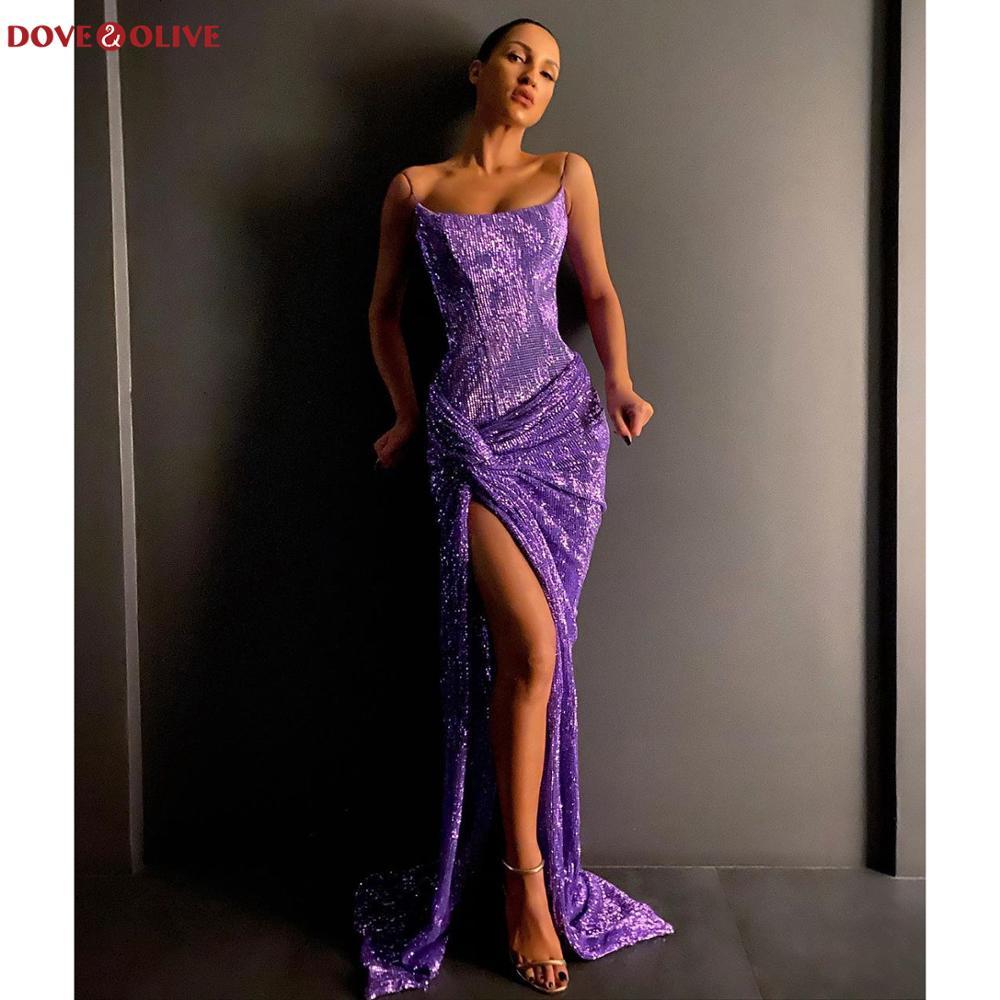 فستان سهرة طويل أرجواني مع ترتر لامع ، غمد ، أحزمة سباغيتي ، فتحة أمامية ، خط رقبة ، بلا أكمام ، فستان احتفالي