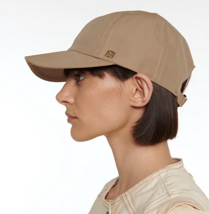 2021 الربيع والصيف الجديدة السيدات قبعات البيسبول أو قبة ذروتها قبعات وقابل للتعديل