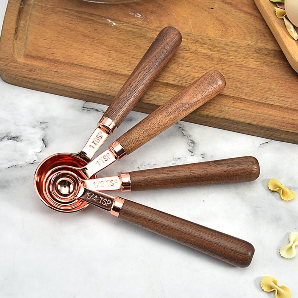 8 قطعة أداة قياس المطبخ تصفيح قياس الكؤوس ملعقة الجوز مقبض خشبي ارتفع الذهب قياس الكؤوس قياس ملعقة مغرفة