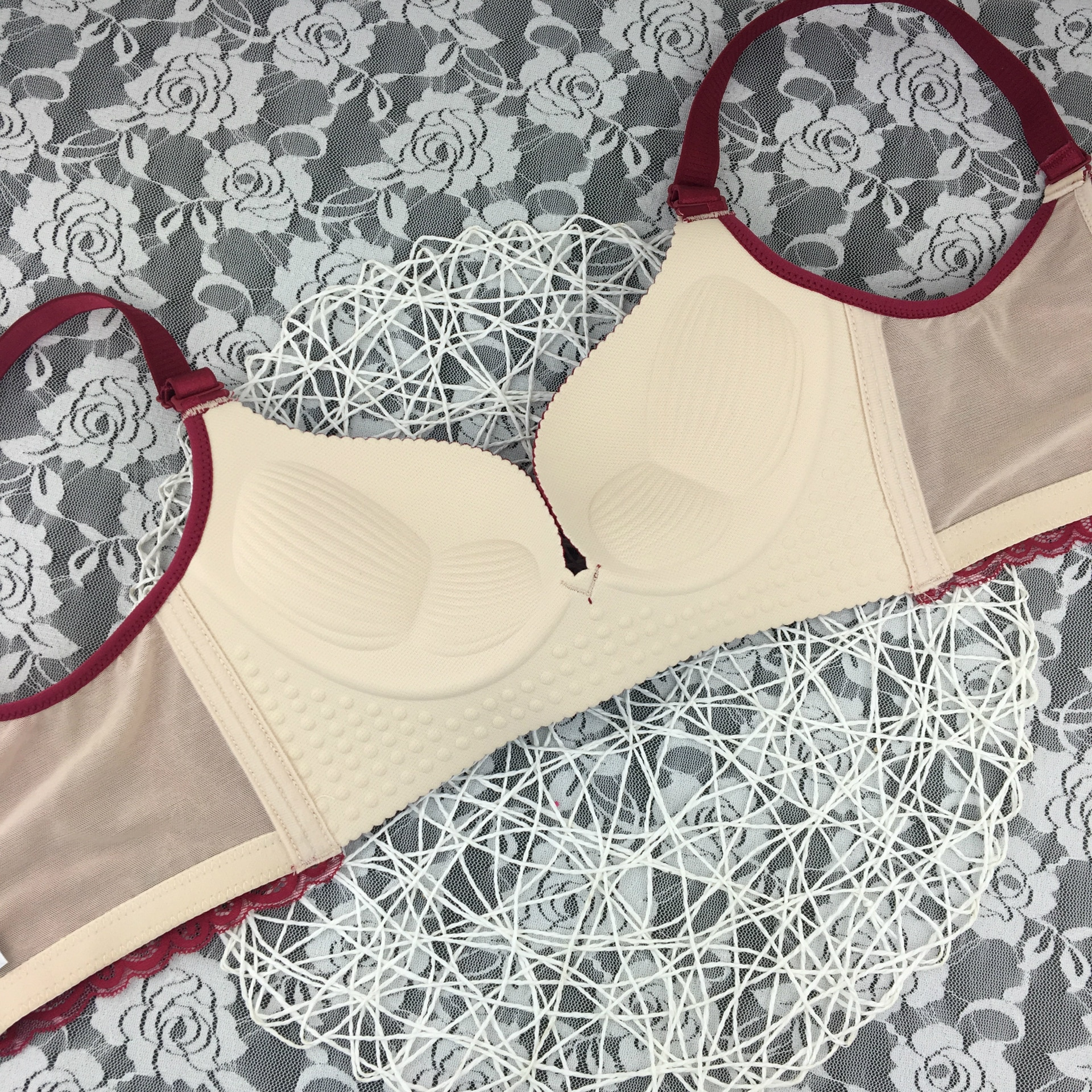Sexy bra Lace beauty back peacock queen without steel ring small chest gathered bra adjustable small underwear set enlarge