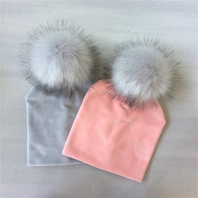 Детская однотонная бархатная шапка с помпоном для девочек; Сезон осень-зима; Детская шапка с помпоном; Детские аксессуары