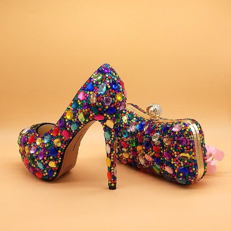 النساء أحذية الزفاف مع أكياس مطابقة متعدد الألوان كريستال سميكة عالية الكعب السيدات فستان الحفلات أحذية النساء مضخات سوبر كبيرة الحجم
