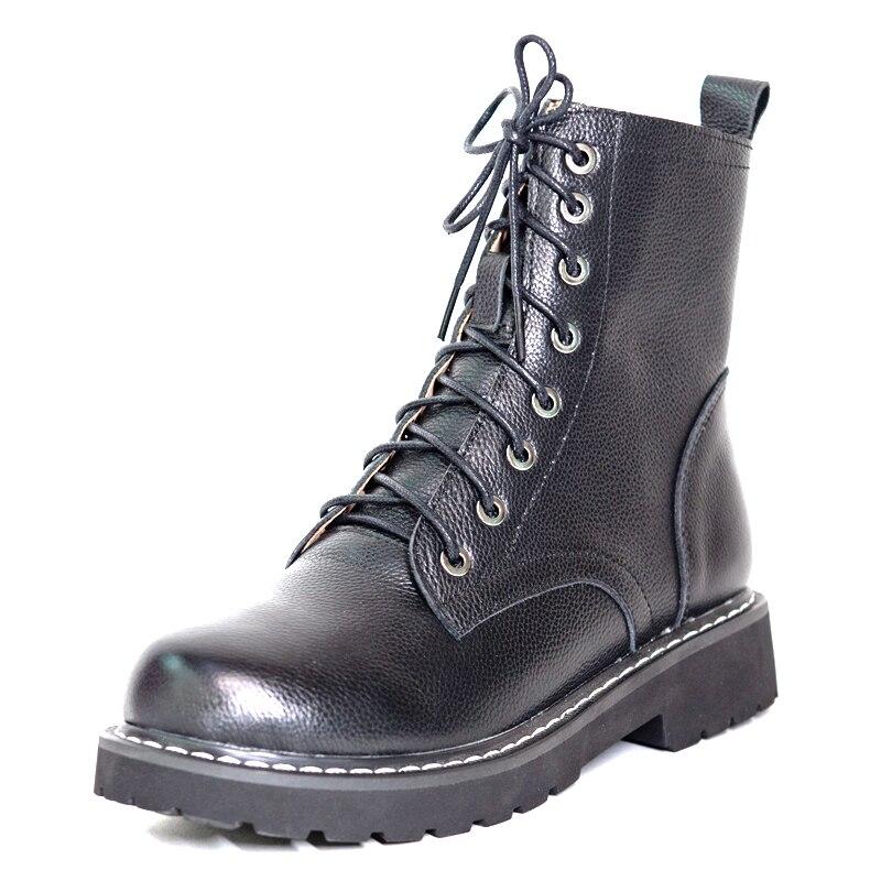 جلد النساء الفراء الطبيعي حذاء من الجلد الشتاء النساء منخفضة الكعب G2211 سيدة الصليب حذاء بسيور أسود بيج دافئ أحذية نارية قصيرة