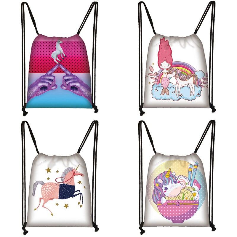 Bolsa con cordón estampado de unicornio, bolsa de viaje para adolescentes, mochila marrón para niñas y niños, bolsas de almacenamiento de moda para mujeres To5563