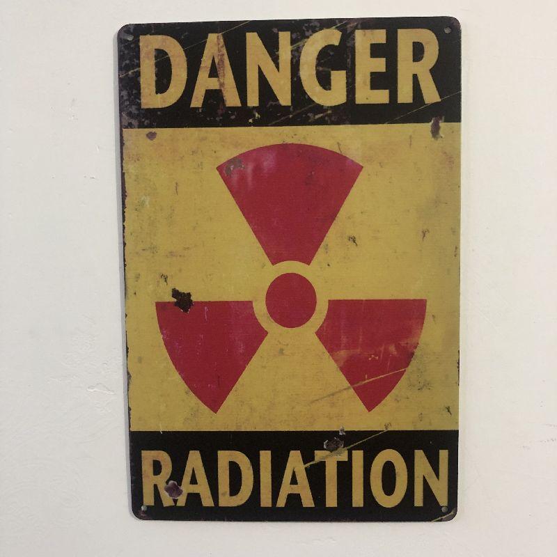 [Luckyaboy] Danger Radiation Vintage Metal Tin Signs Home Bar Pub Garage Gas Station Decor Plates Man Cave Wall Sticker