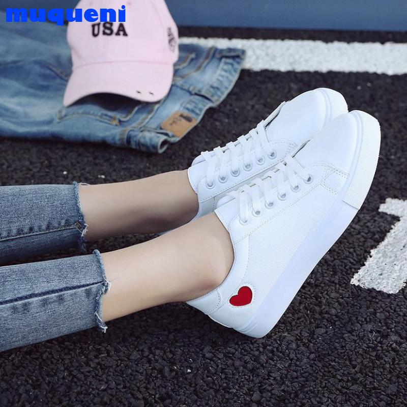 2021 Autumn Woman Shoes Fashion New Woman PU Leather Shoes Ladies Breathable Cute Heart Flats Casual Shoes White Sneakers