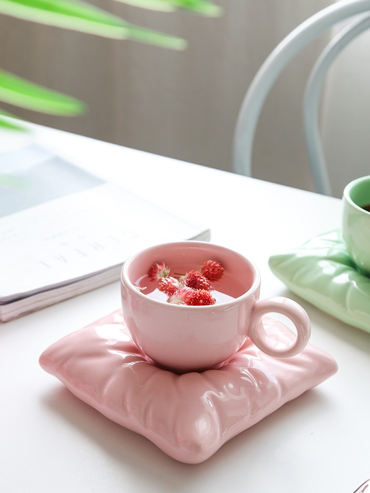 Ins الرياح كيس وسادة فنجان القهوة طقم أطباق بعد الظهر فنجان شاي مصباح من السيراميك الفاخرة عالية الجمال كوب ماء فتاة جميلة