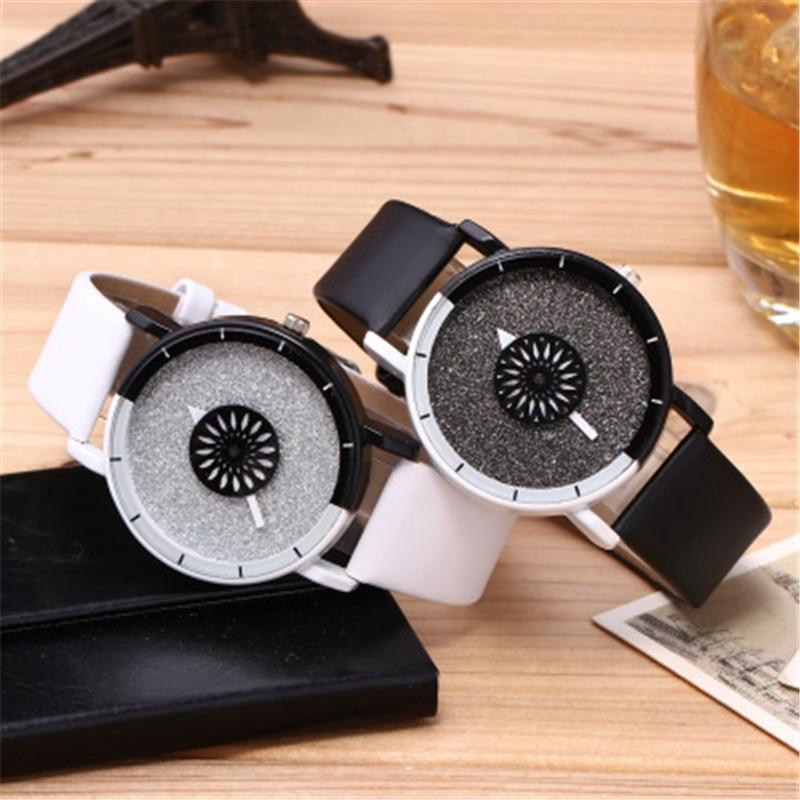 Fashion Couples Watch Women Men Leather Sport Quartz Watch 2020 Creative Watches Womens Dress Wrist Watches Mens Ladies Clock