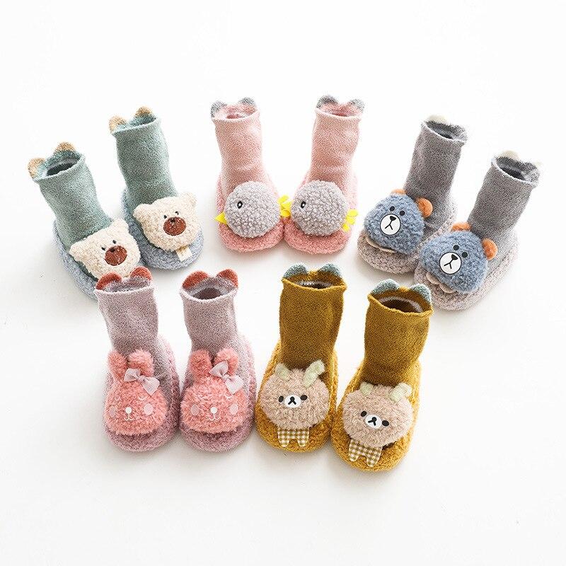 Зимняя детская обувь из кораллового флиса, детская обувь с мультяшным рисунком, нескользящая кожаная подошва, детская обувь, толстая обувь