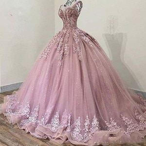 2020 Elegant Sheer Jewel Neck Evening Dress Ball Gown Lace Appliques Beads Sweep Train Formal Gown Vintage Prom Dresses Hot Sale