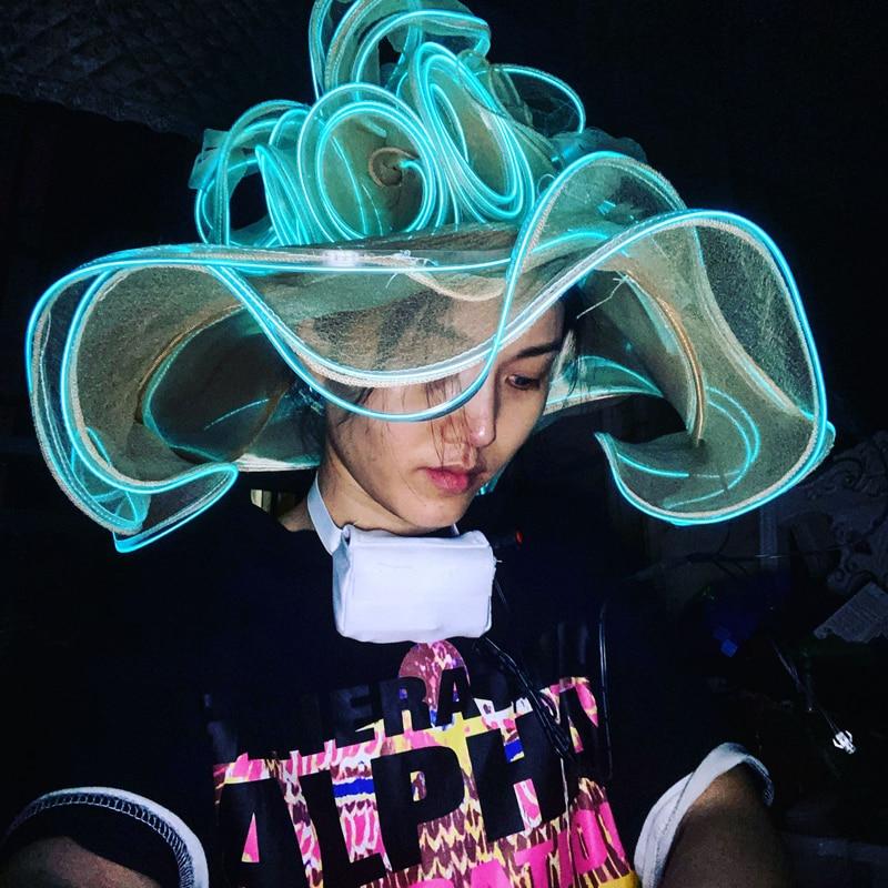 قبعة سهرة مضيئة مع زهرة ، قبعة LED للنساء ، ملابس المهرجانات ، نادي المغني ، المرحلة ، زي ، قبعة ضوء بارد ، زي الهذيان ، الإكسسوارات