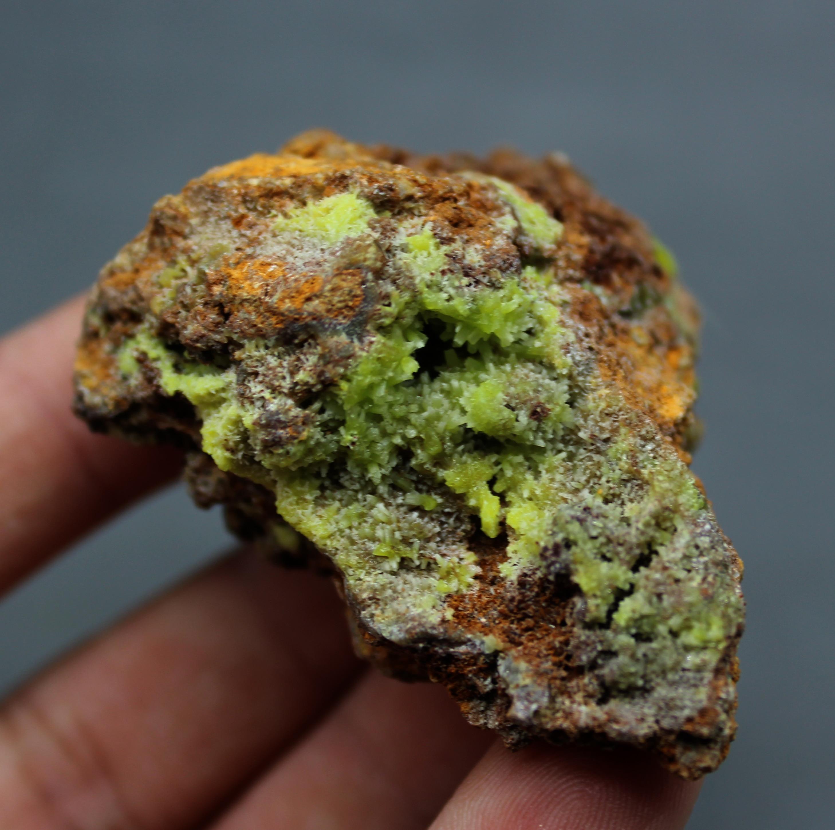 107g natural raro piromorfita mineral de plomo verde Cristales minerales naturales colección de muestras de enseñanza de China