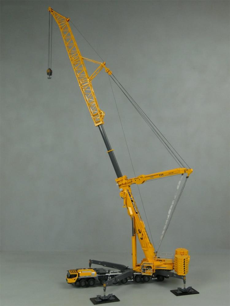 Nuevo lanzamiento 150 XCMG XCA1200 modelo de grúa todo terreno, réplica de grúa de 1200 toneladas, brazo de energía eólica, tracción de ocho ruedas, amarillo, oro