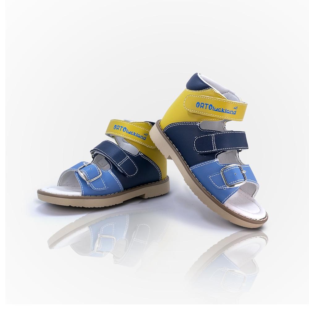 الأطفال الأحذية الصيف العظام الصنادل للأطفال الفتيان 3 سنوات غير زلة العمل أزياء والجلود مشبك حزام Flatfeet أحذية