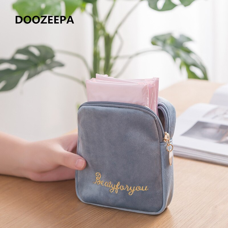 DOOZEEPA Women Velvet Makeup Bag Girls Lipstick Organizer Cosmetic Bag Make up Package Pouch Sanitar